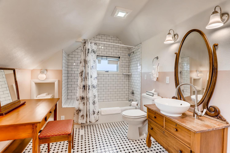 bathroom of cottage